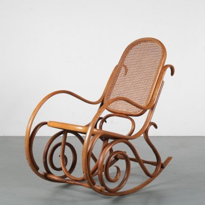 1930s Rocking chair by Thonet, Austria
