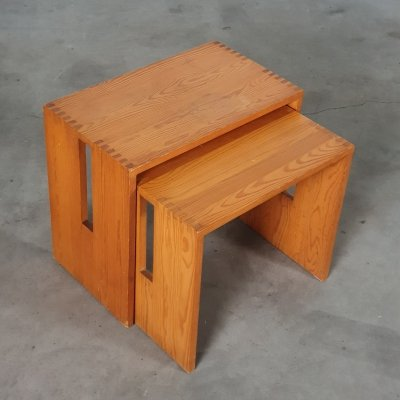 Set of sculptural nesting tables in pine wood, 1960s