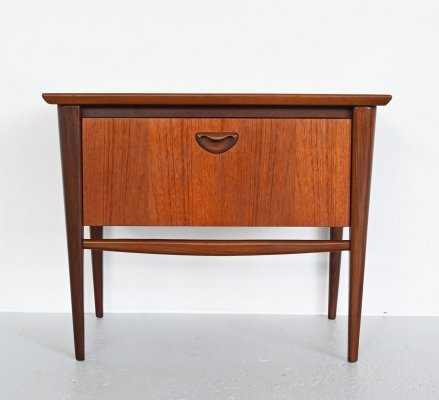 Louis van Teeffelen nightstand by Webe, Netherlands 1960s
