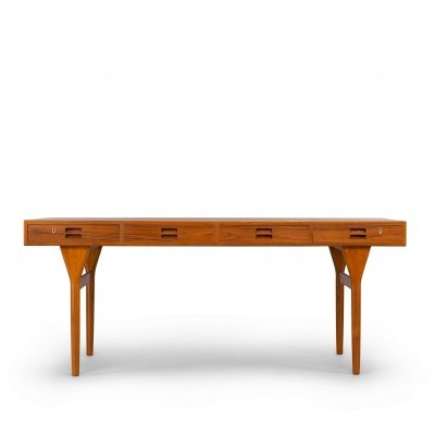 Danish design 4 drawer desk in Teak by Nanna Ditzel for Søren Willadsen, 1960s