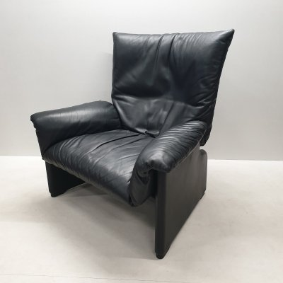 Black leather lounge chair by Vico Magistretti for Cassina, 1980s