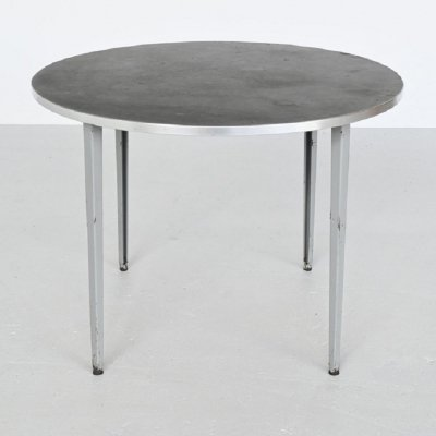 Friso Kramer Reform dining table by Ahrend de Cirkel, The Netherlands 1955