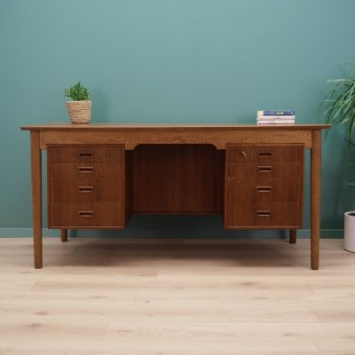 Danish design desk in oak, 1970s