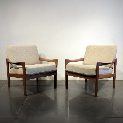 Pair of Easy Chairs by Illum Wikkelsø for Niels Eilersen, 1960s
