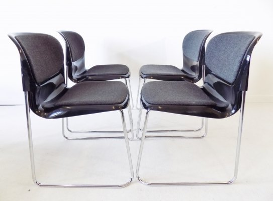 Drabert SM 400 k set of 4 black stackable chairs by Gerd Lange