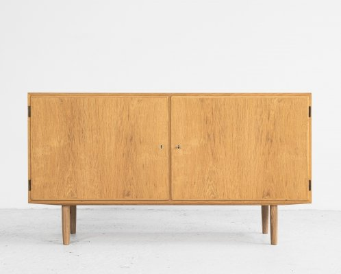 Midcentury Danish sideboard with 2 doors in oak by Hundevad, 1960s