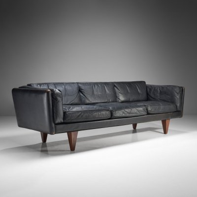 Illum Wikkelsø 'Model V11' Three-Seater Sofa for Holger Christiansen, Denmark 1960s