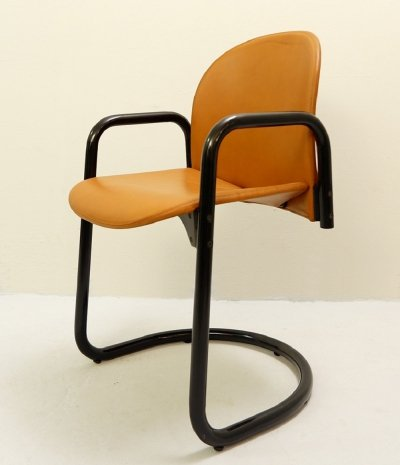 24 x Italian Leather 'Dialogo' Chair by Tobia & Afra Scarpa for B&B Italia, 1980s