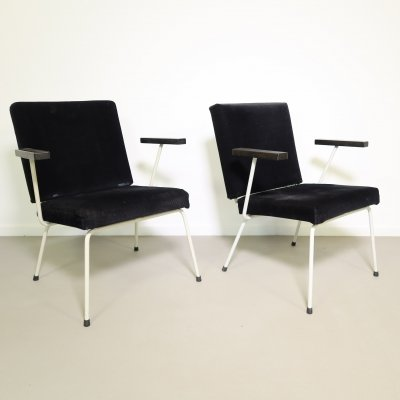 Pair of no. 415 arm chairs by Wim Rietveld for Gispen, 1950s
