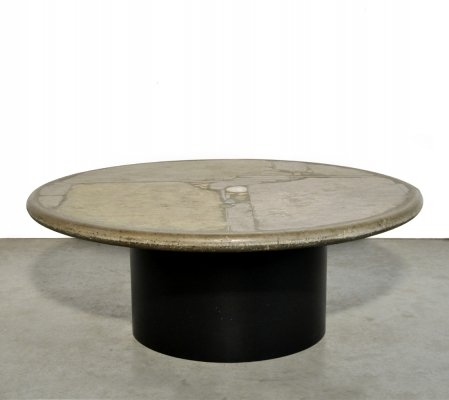 Brutalist round natural stone coffee table by Paul Kingma, 1991