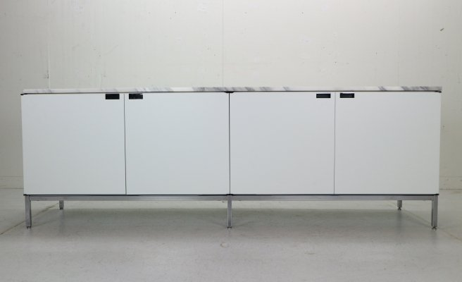 Minimalist credenza by Florence Knoll for Knoll Int. 1961