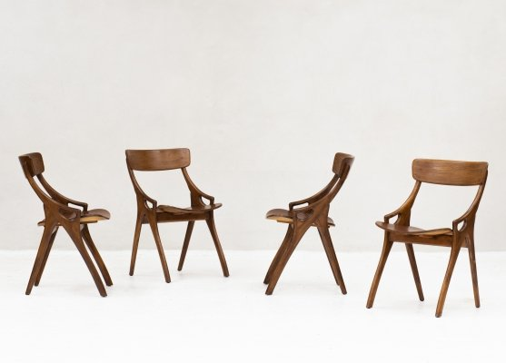 Set of 4 dining chairs by Arne Hovmand Olsen for Mogens Kold, Denmark 1950