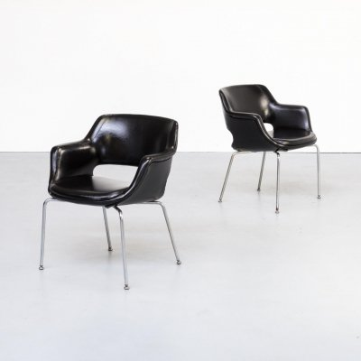 Pair of Olli Mannermaa 'Kilta' black leather chairs for Eugen Schmidt (ES), 1960s