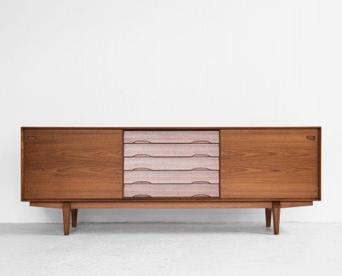 Midcentury Danish sideboard in teak by Rosengren Hansen for Skovby Møbelfabrik