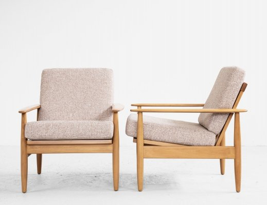 Midcentury Danish pair of easy chairs in solid beech, 1960s