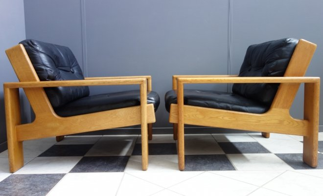 Pair of Bonanza lounge chairs by Esko Pajamies for Asko, 1960s