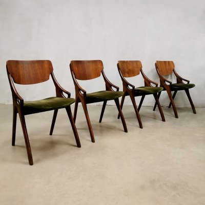 Set of 4 vintage Danish velvet dining chairs by Arne Hovmand Olsen, 1950s