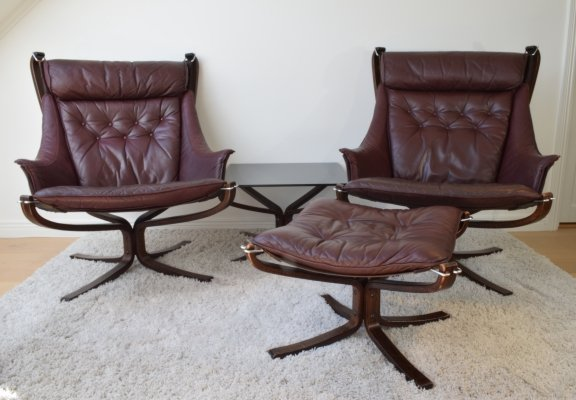 Sigurd Russell Highback Falcon chairs, ottoman & coffee table, 1970's