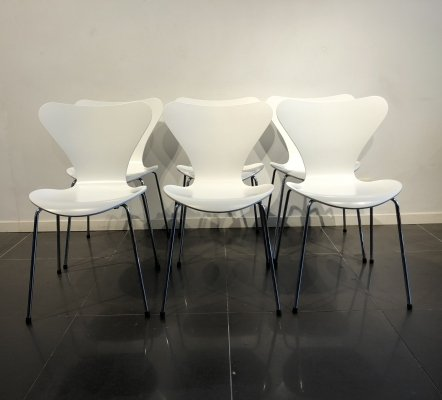 Set of 6 White 'Series 7' Chairs by Arne Jacobsen for Fritz Hansen, 1980s