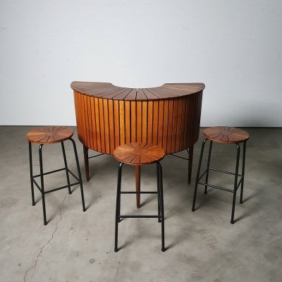 Custom made bar from the 50s with 4 stools