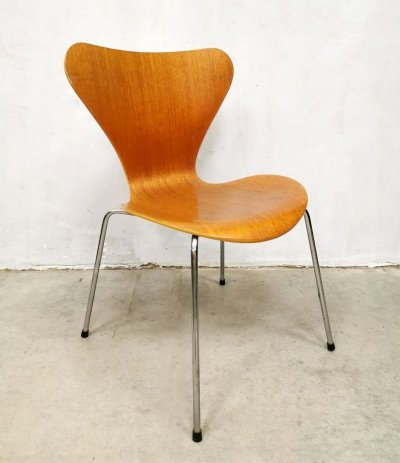 Vintage 'Butterfly' chair by Arne Jacobsen for Fritz Hansen, 1990s