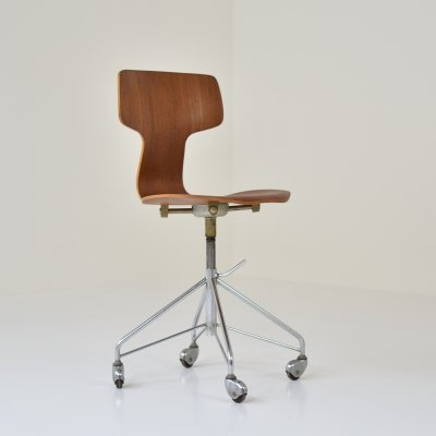 '3103' or 'Hammer' desk chair by Arne Jacobsen for Fritz Hansen, Denmark 1950's
