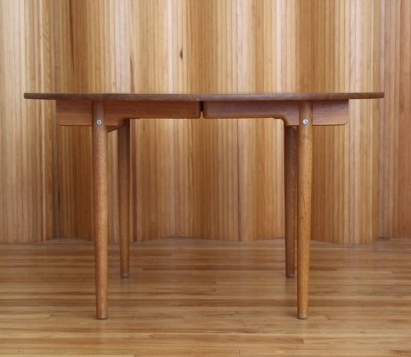 Model AT329 Hans Wegner extending oak dining table for Andreas Tuck Denmark