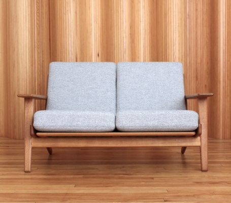 Model GE290/2 Hans Wegner two seater sofa by Getama, 1950s