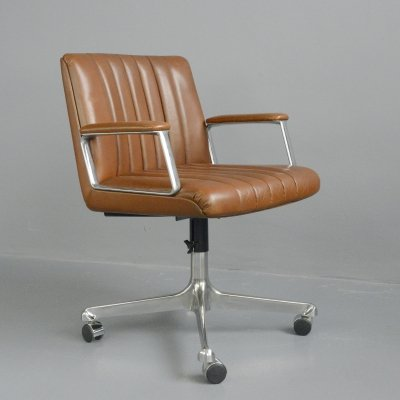 Leather Office Chair by Osvaldo Borsani for Tecno Milano, Circa 1970s