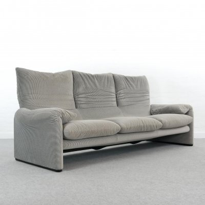 Cassina Maralunga 3-seat sofa by Vico Magistretti in grey striped fabrics