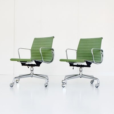 Pair of EA 118 office chairs by Charles & Ray Eames for Vitra, 1950s