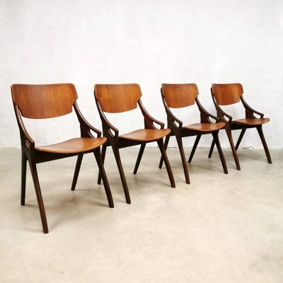 Set of 4 Danish vintage teak dinner chairs by Hovmand Olsen