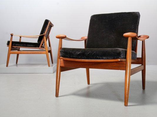 2 x Model 133 arm chair by Finn Juhl for France & Daverkosen, 1960s