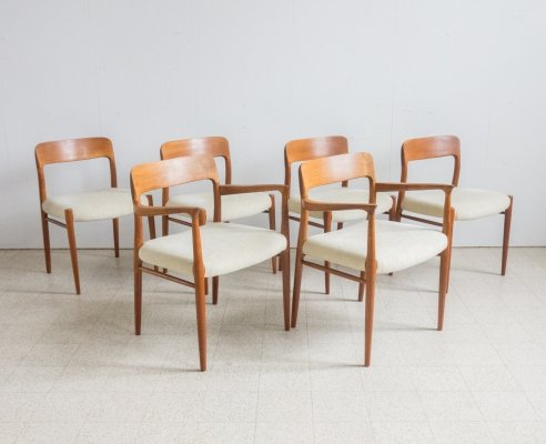Set of 6 Møller chairs (4x model 75 & 2x model 56)