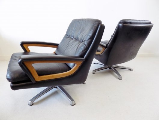 Carl Straub set of 2 black leather armchairs, 1960s