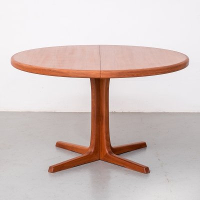 Danish Extendable Round Dining Table from Skovby Mobelfabrik, 1970s