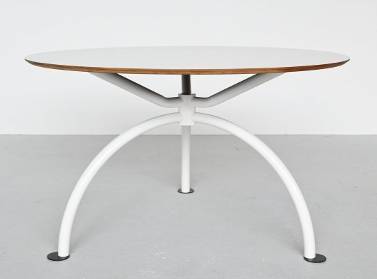 Walter Antonis round dining table by I-Form, The Netherlands 1970