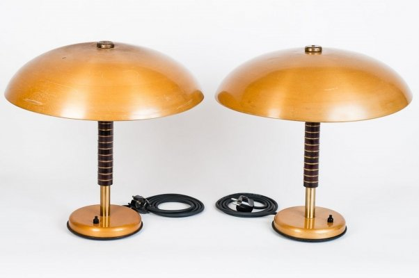 Pair of desk lamps in bronze tole, 1944