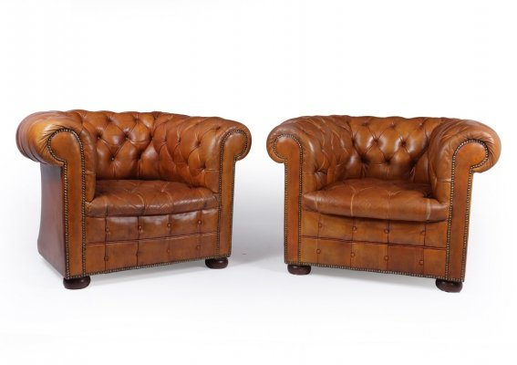 Pair of Tan Leather Buttoned Chesterfield Club Chairs, 1950s