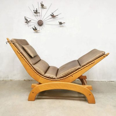 Vintage design rocking chair in leather & wood