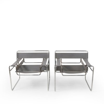 Pair of Grey Leather Wassily Chairs by Marcel Breuer for Knoll, 1980s