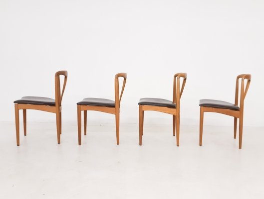 Set of 4 Johannes Andersen for Uldum Mobelfabrik dining chairs in oak & leather