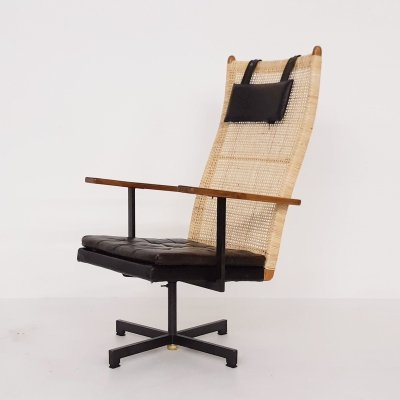 P.J. Muntendam for Gebr. Jonker rattan lounge chair, The Netherlands 1950's