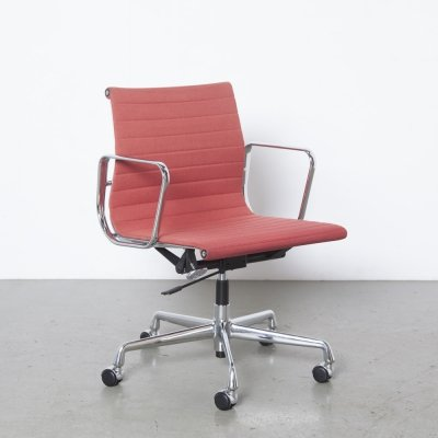 Red Eames EA117 alu office chair by Vitra