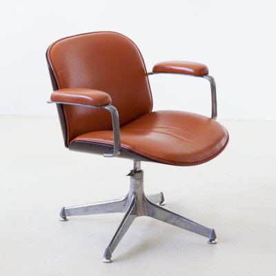 1950s Cognac leather swivel chair by Ico Parisi for MIM