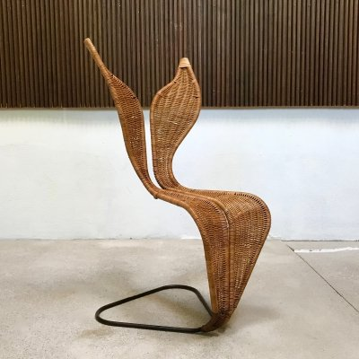Italian Sculptural Leaf-Shaped Wicker & Steel Rod Cantilever Chair, 1970s