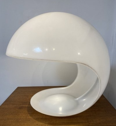 Italian Model 643 perspex table lamp by Elio Martinellli