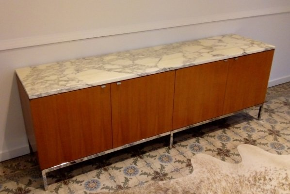 Florence Knoll Credenza in Walnut veneer & arabecato marble, 1960s