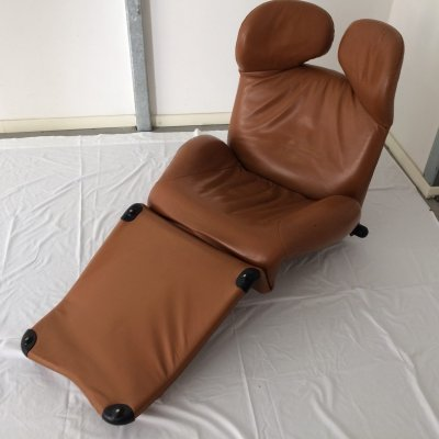 Wink lounge leather chair by Toshiyuki Kita for Cassina