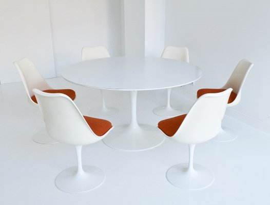 Tulip pedestal dining set by Eero Saarinen for Eero Saarinen, 1970s